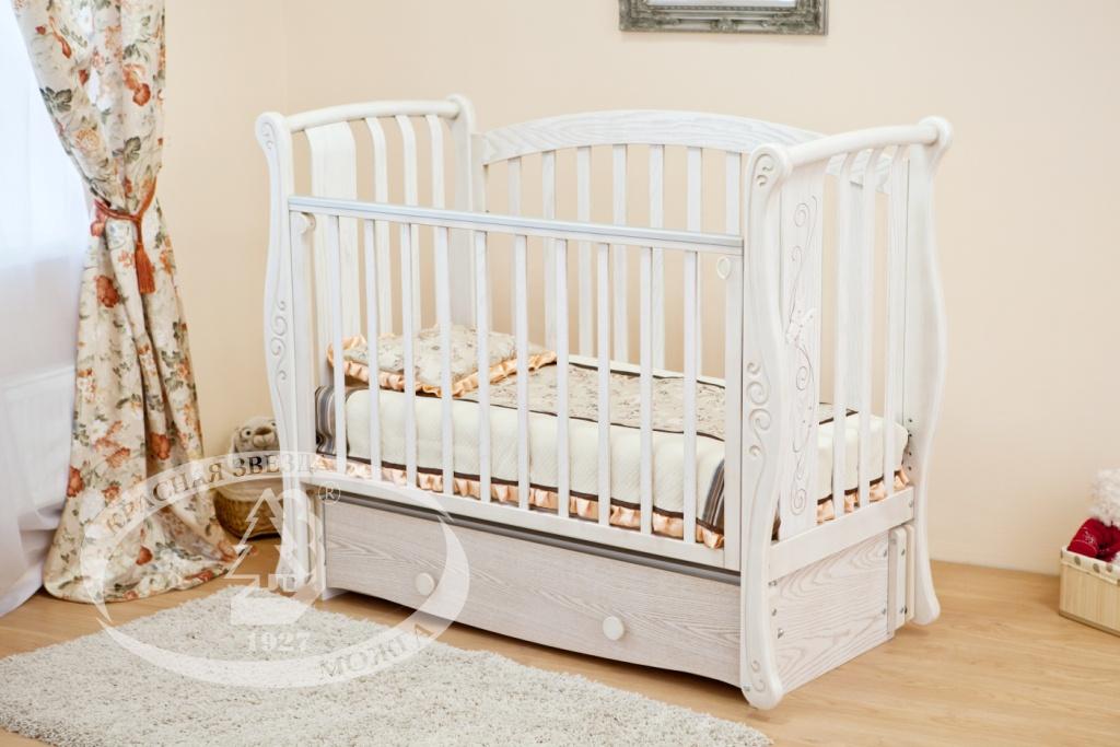 Кровать для новорожденного можга